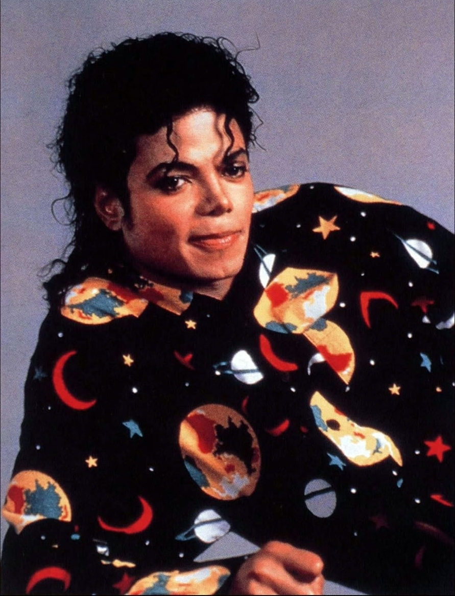 Leave-Me-Alone-michael-jackson-8024305-891-1165