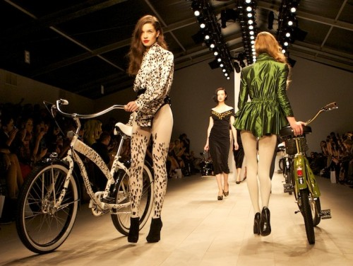PPQ RULE Bikes catwalk