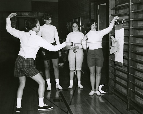Retro female fencers