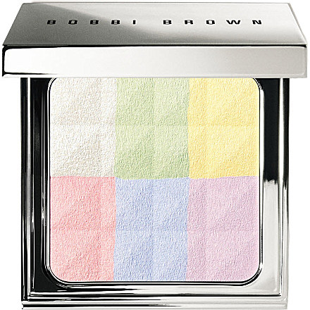 Bobbi Brown Brightening Finishing Powder - www.leblow.co.uk