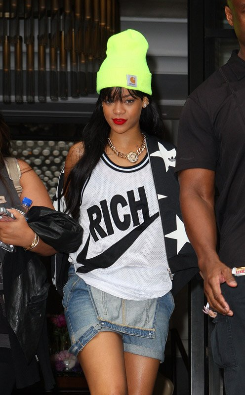 Rihanna in Carhartt watch neon beanie hat