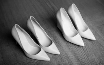 Bit of all white // The enduring appeal of the white pointy shoe