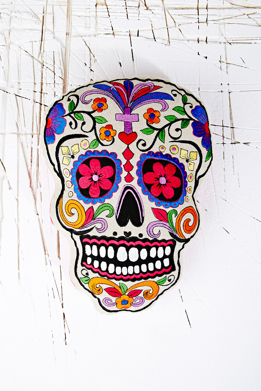 urban outfitters sugar skull cushion le blow. Black Bedroom Furniture Sets. Home Design Ideas