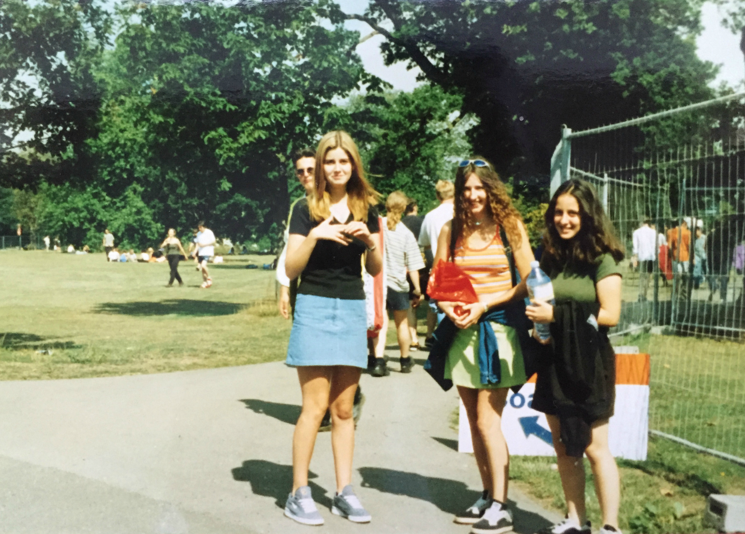 Outside Hylands Park Chelmsford for V96 festival, 1996, copyright: Natalie Wall