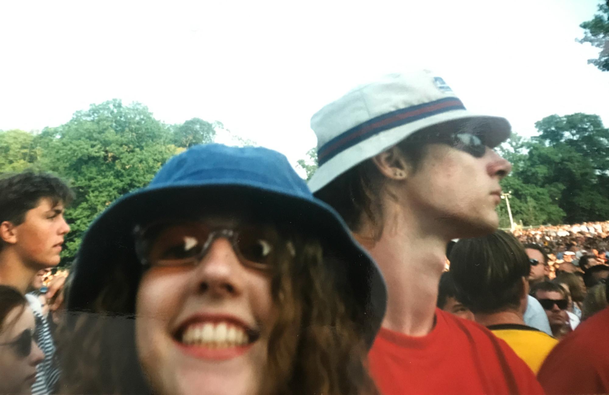 bucket hat 1997